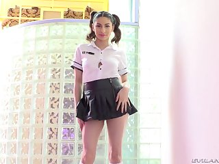 Schoolgirl Nina North shafts herself with a toy before interesting his dig up
