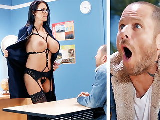 Sexy motor coach hardcore fucks schoolboy convenient school