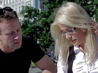 Nerdy blonde in glasses Appealing Cat gets intimate back stranger with an increment of takes cum on her glasses
