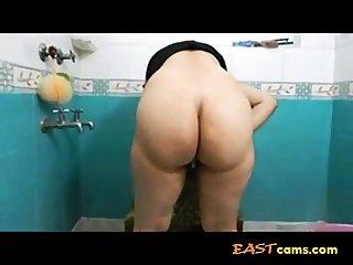 Bangla desi girl showing fat ass