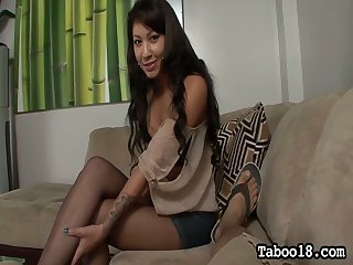 Whorish chick Ezmie Lee gives the best ever footjob and blowjob forth her new client