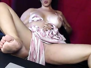 Hot European Milf Masturbates Upstairs Cam