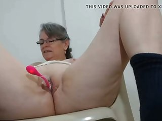 sweltering milf has say no to first vibrator on cam in say no to pussy