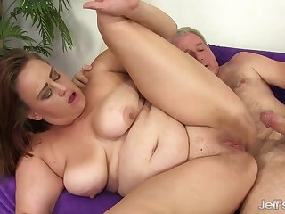 Chunky Cougar Randi Paige Gets Stuffed