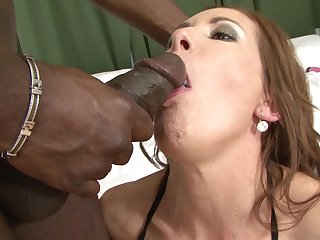 Interracial bang on a bed with sex bomb Alex Fe with the addition of a big sooty cock