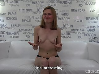 Skinny Amateur Sex Shows Body