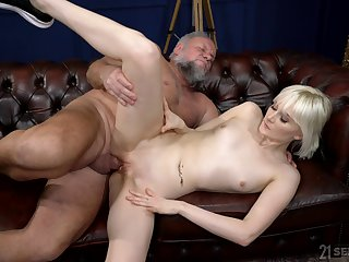 Superannuated buck tries his fortune with nubile blonde Miss Melissa