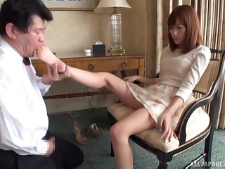 Kinky Japanese babe Nozomi Anzaki enjoys object her feet licked
