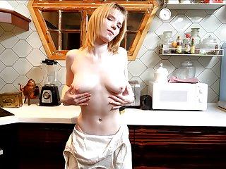 Kinky solo non-specific Triniti Banxx loves masturbating in the pantry