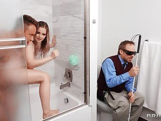 BRAZZERS Chubby Chick Fucked onwards of Blind Hubby!
