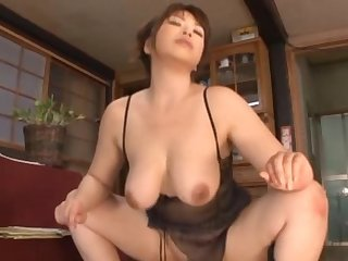 Homemade video with a slutty MILF moaning while riding a dick