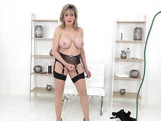 Busty Lady Sonia loves to tease you