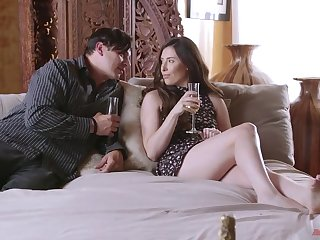 Romantic date residuum with pussy licking and passionate sex